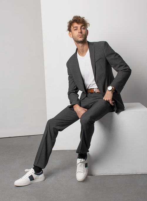 Traje  Vestir Color Oxford Marca Aldo Conti Black. Composición:  70%POLIESTER 28%VISCOSA 2%ELAS